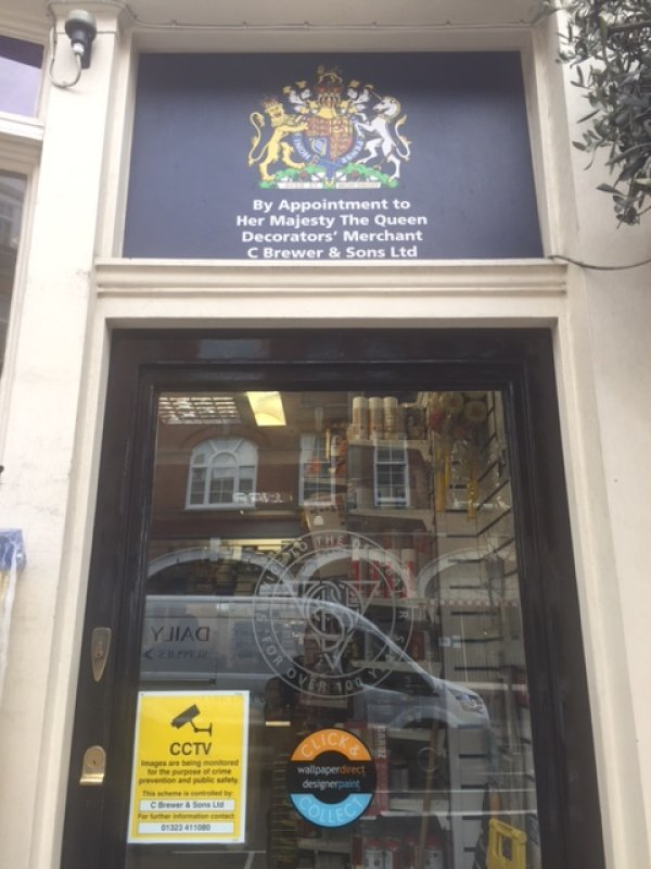 Brewers Victoria Royal Warrant sign